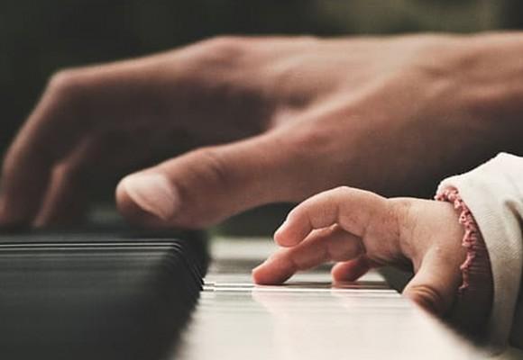 Aprender a tocar el piano. ¿Por qué resulta tan dificil?