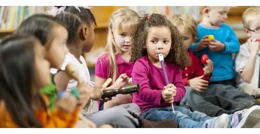 Como enseñar música a niños pequeños